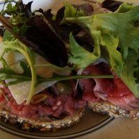 The week-end tartine strikes back: raw meat at its best