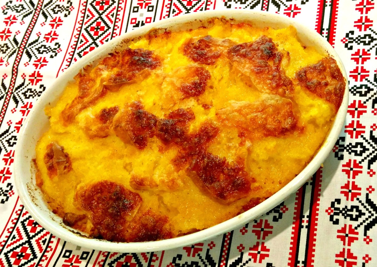 Oven baked cheesy layered Romanian Polenta (and some humble remarks on Romanian cuisine)